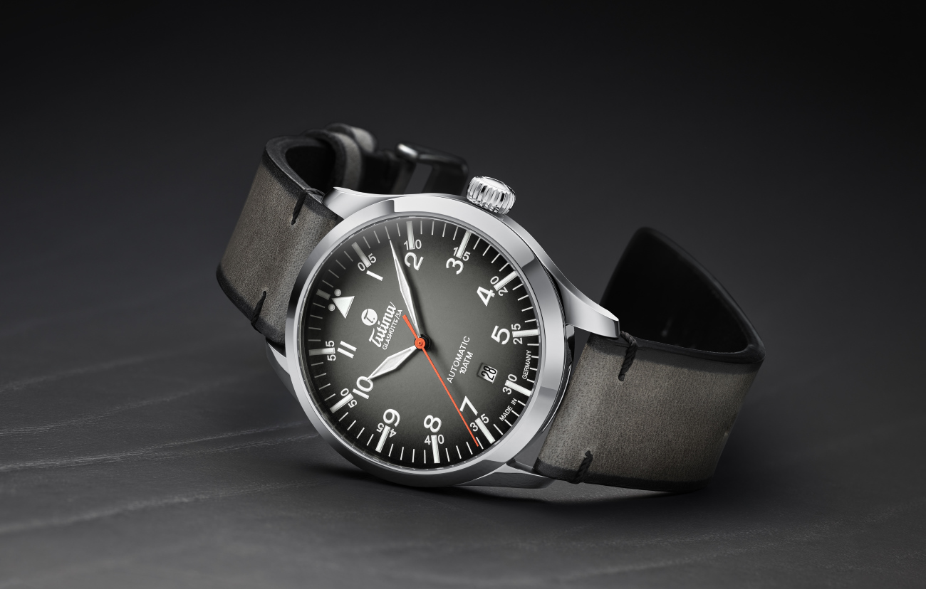 tutima_slate_grey_steeel_side_-_europa_star_watch_magazine_2020
