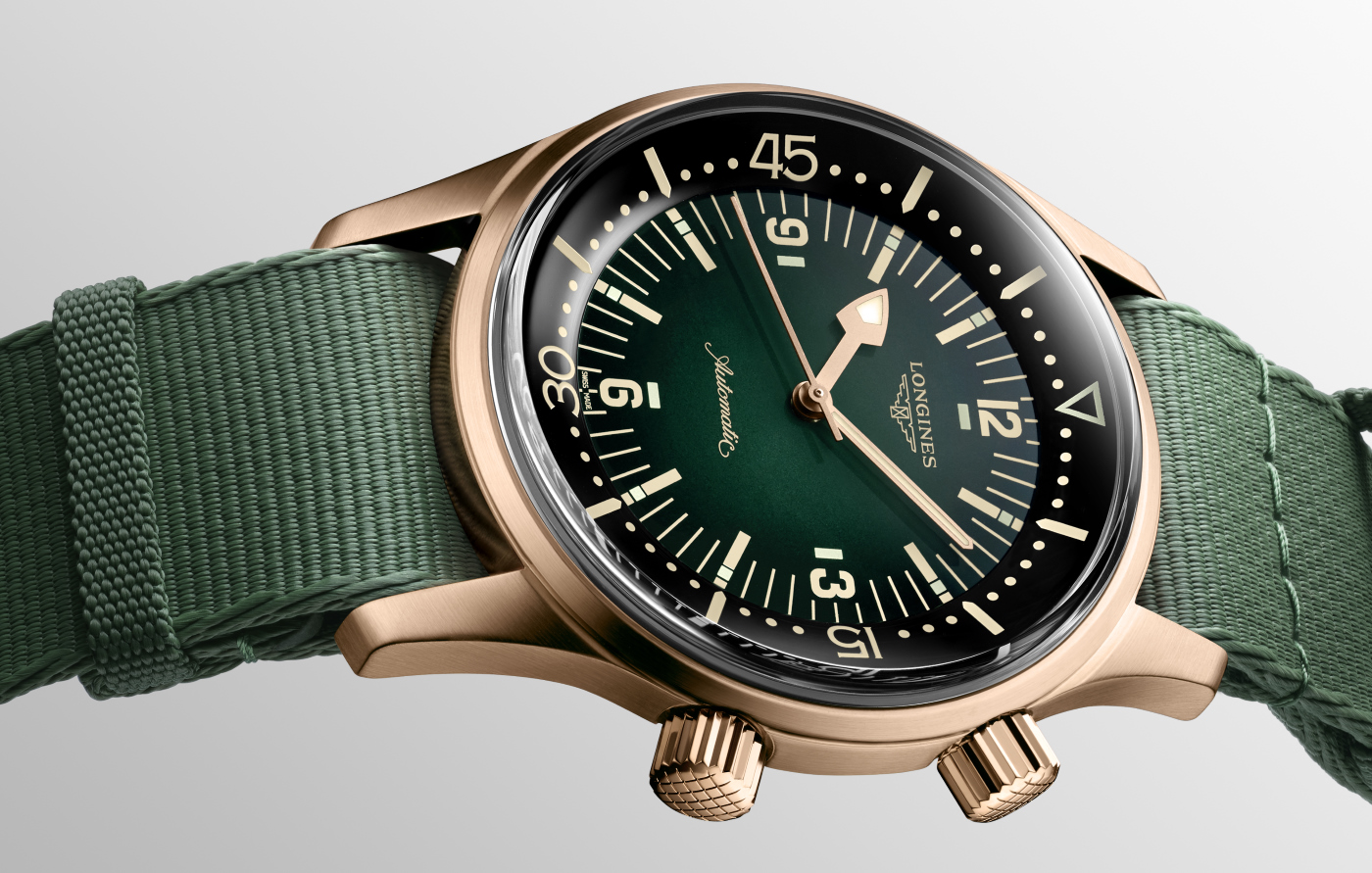 Longines_legend_diver_green_-_europa_star_magazine_2020